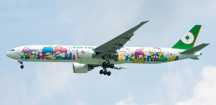 777-hello-kitty-jets-star_tcm33-19892
