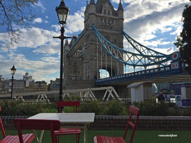 El Tower Bridge, de día