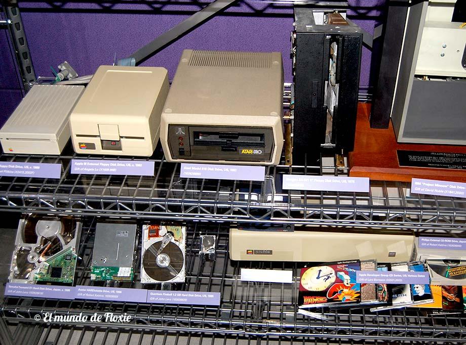 Distintos medios de almacenamiento - Computer history museum en Silicon Valley